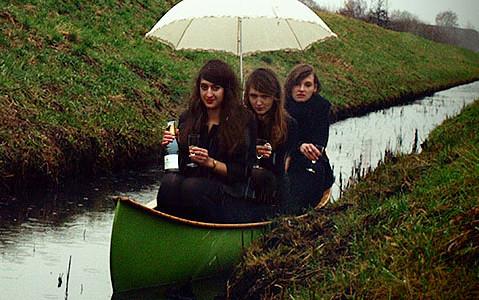 alle in einem Boot - Die Heiterkeit, Foto: www.dieheiterkeit.de