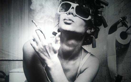 Bild in der st pauli gallery: Qualmende Diva