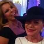 Barbara Engel und Moderatorin Gila Thieleke amüsieren sich bei Movie meets Media.