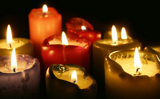 Ein Kerzenlicht für Kinder, Foto: C. Bender-Saebelkampf (www.pixelio.de)