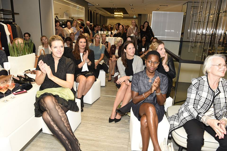 Ladys bei der neunten Woman Business Lounge, Foto: Claudia Tejeda