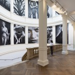In ihr hängen die imposanten Bilder Lindberghs - die Wandeltreppe im Museum für Kunst und Gewerbe, Foto: Henning Rogge
